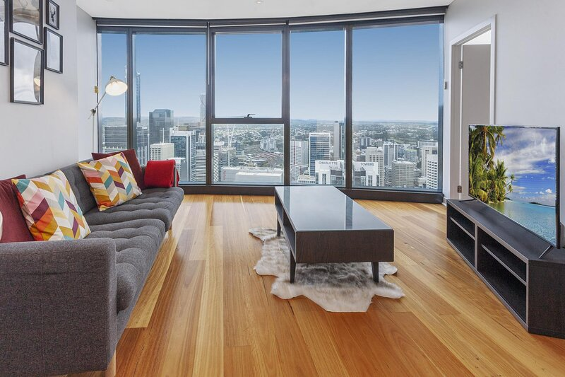 2-Bed with Panoramic Views in The Heart of Brissie, location de vacances à Mount Gravatt