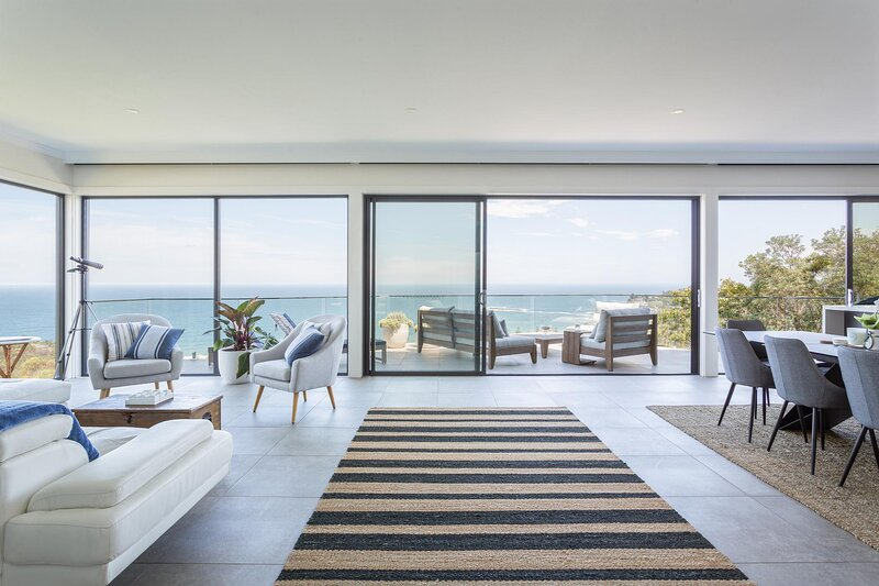 Luxurious Designer Home With Sweeping Ocean Views, holiday rental in Bilgola