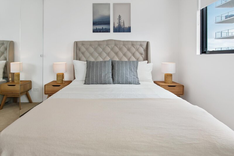 Chic South Bank Apartment With Hotel-Style Extras, holiday rental in Indooroopilly