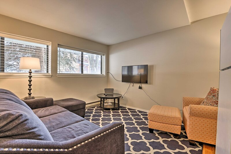 NEW! EagleVail Home - Walk to Golf, 5 Mi to Ski!, vacation rental in Eagle-Vail