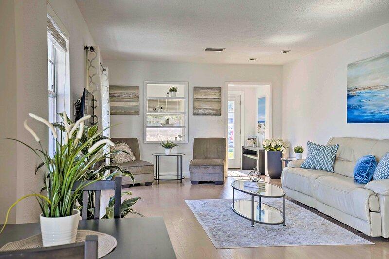 New! Sunny & Walkable Davis Islands Urban Oasis!, location de vacances à Tampa