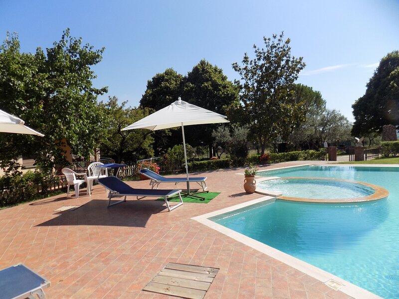 RAGGI DI SOLE nelle vigne, vacation rental in Otricoli