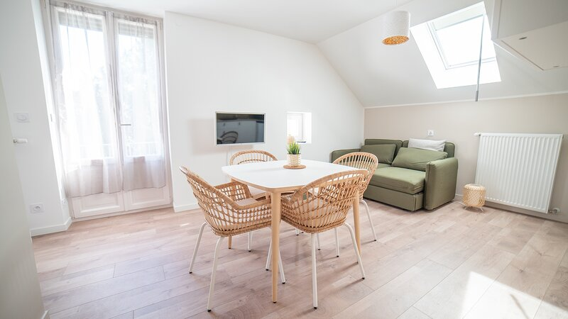 App*** 2/4 pers 'Nature', climatisé avec jardin, holiday rental in Blye