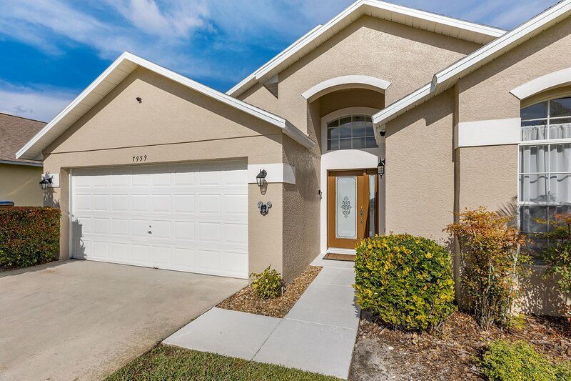 Star Lake Villa, close to Disney with pool, location de vacances à Kissimmee