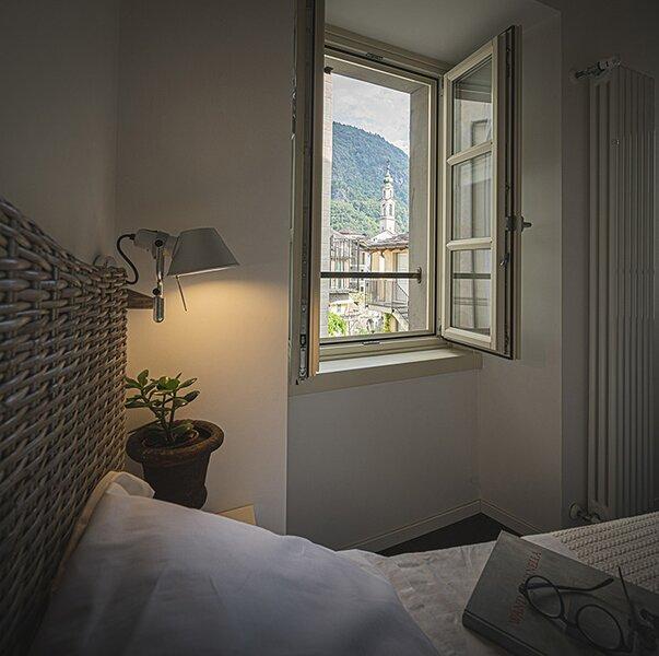 La Loggia casa vacanza, centro storico Chiavenna, vacation rental in Borgonuovo