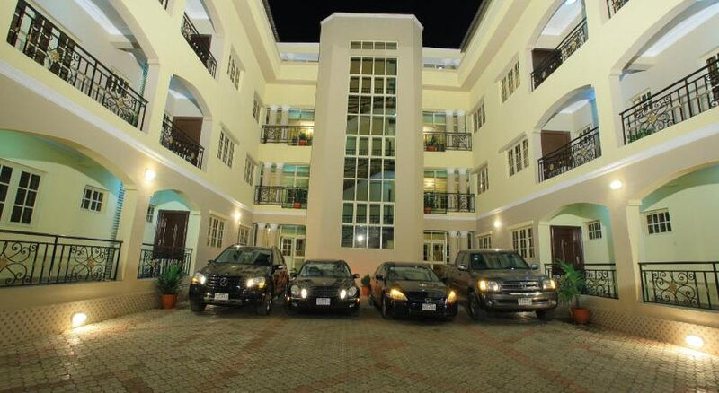 Apartment Royale Hotel and Suite, holiday rental in Ikeja