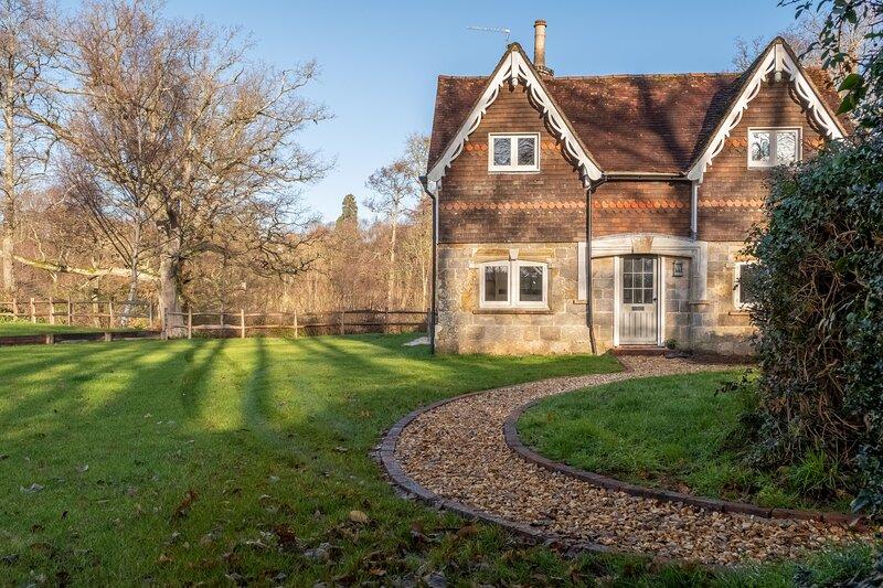 Hensill Farmhouse, location de vacances à Burwash