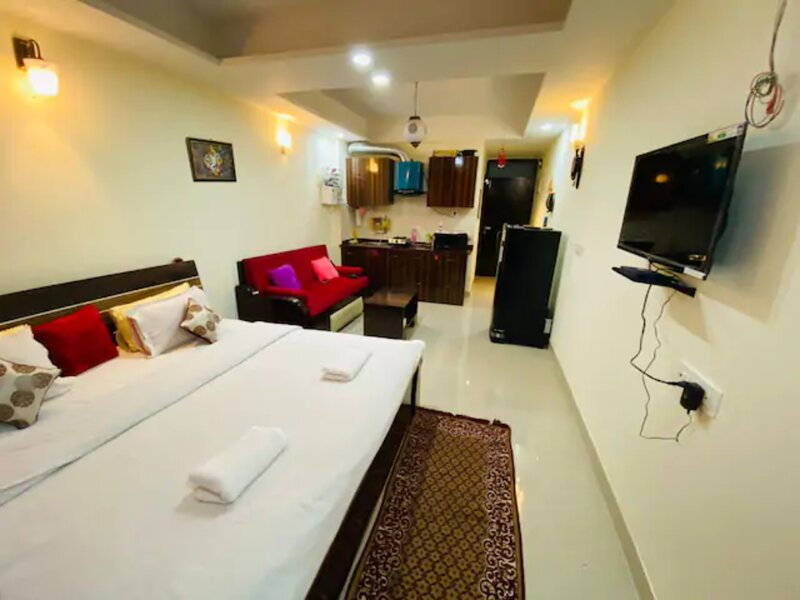 Red Lily, vacation rental in Kuthal Gaon