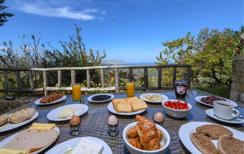 Traditional Villa Malathiros 5, holiday rental in Kakopetros