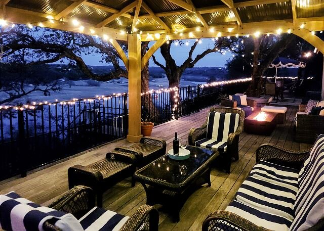 Cliff-Side Natural Oasis with Impressive Views & Stairs to Private Boat Dock, holiday rental in Spicewood