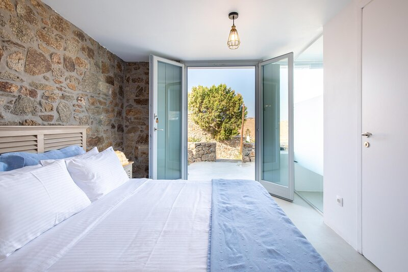 The Summit of Mykonos - Standard Sea View Room, holiday rental in Kalo Livadi