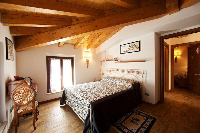 Bb La Piccola Gardenia - Il Piacere - Lake View Suite, holiday rental in Barbarano di Salo