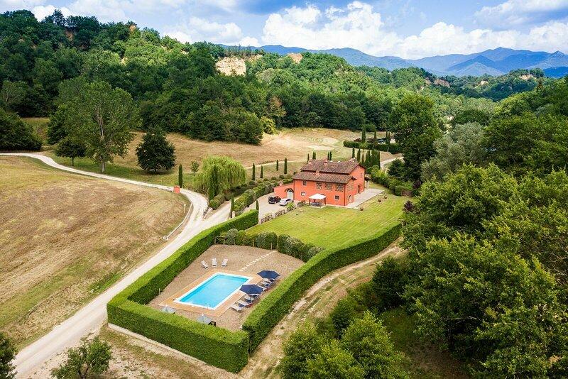 Villa Casa Rossa, holiday rental in Leccio