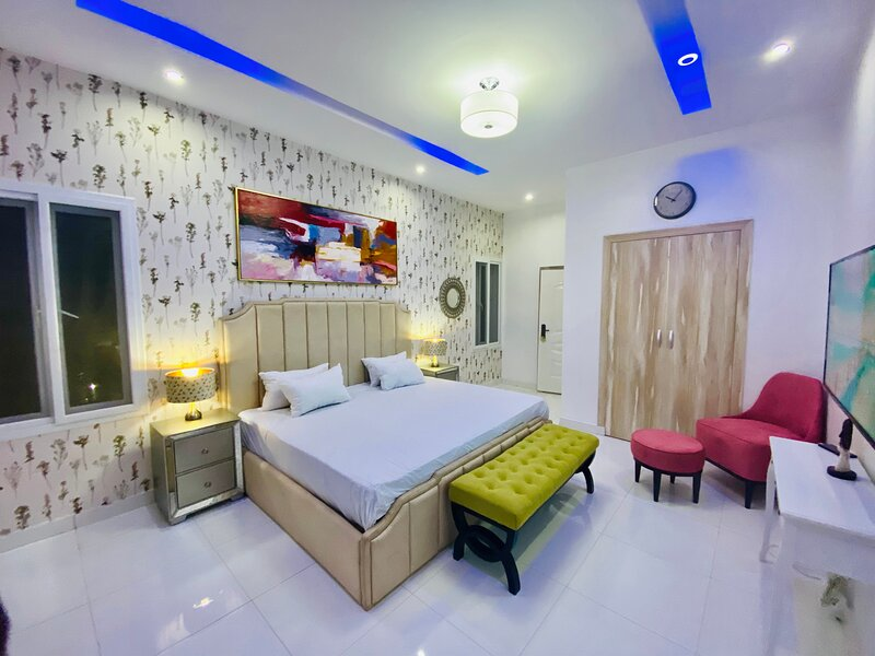 Shortlethomes - Sophia's Luxury Home Away From Home, alquiler vacacional en Lekki
