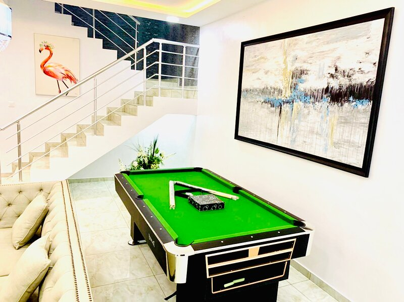 Shortlethomes - Tiara's Luxury Home Away from Home, Ferienwohnung in Ikoyi