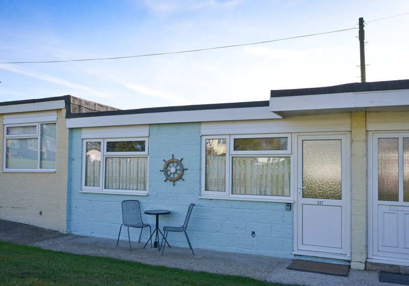117 Sandown Bay Holiday Park, Yaverland, Sandown, holiday rental in Brading