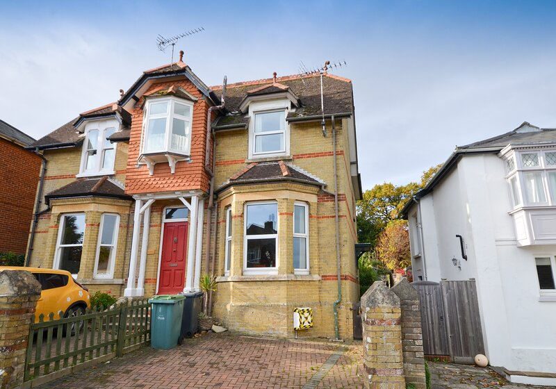 Front - Seaview - Wight Holiday Lettings