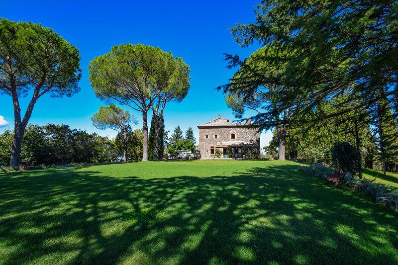 Villa with private pool, sauna, whirlpool,billiard, holiday rental in Porano
