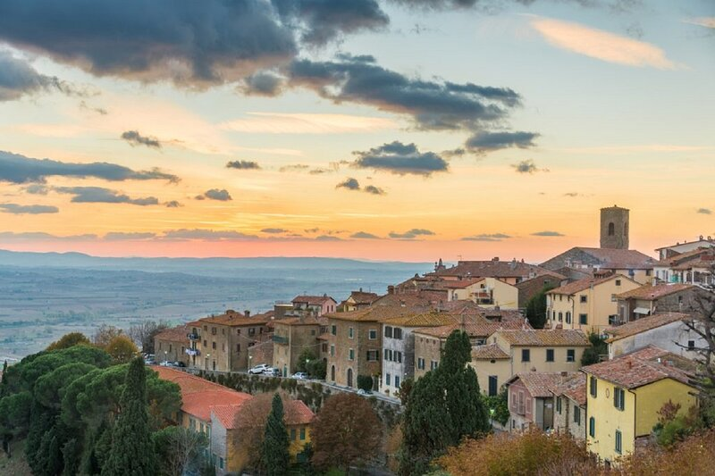 ENCHANTING ETRUSCAN VILLA IN MONTECHINNO DI CORTONA, holiday rental in Appalto