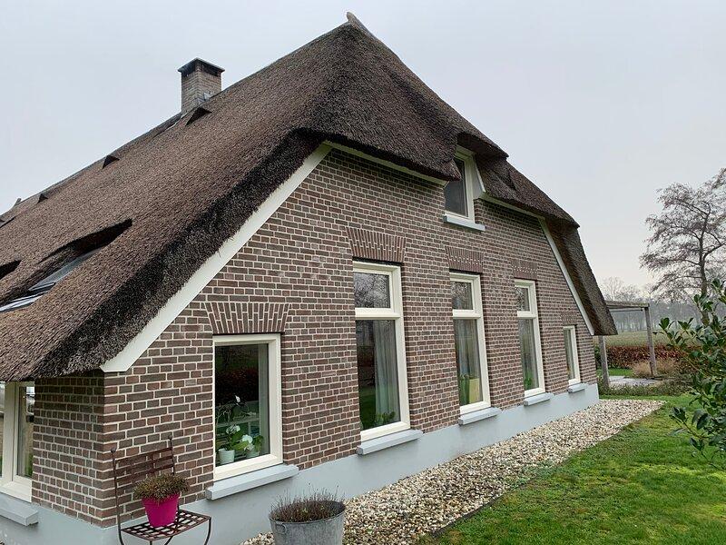 De Boerderij - Buitenplaats Ruitenveen, privé, alquiler vacacional en Hasselt