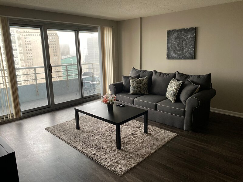Cozy Fully Furnished 1 Bed 1 Bath Apartment – semesterbostad i Amherstburg