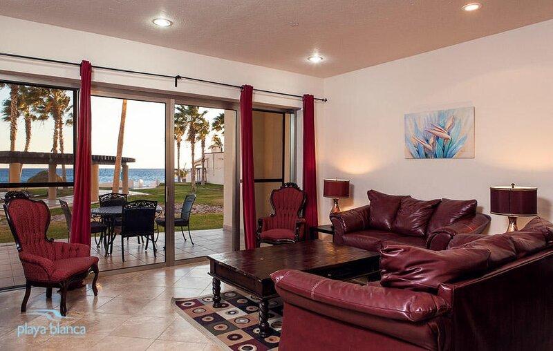 3 Bedroom Condo Playa Blanca 109, casa vacanza a San Carlos