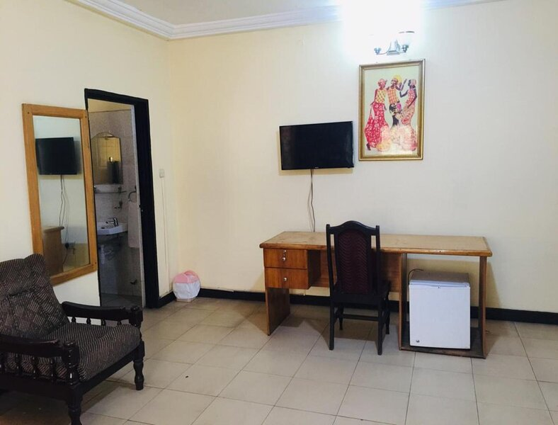 Double Room With Balcony, vacation rental in Odorkor