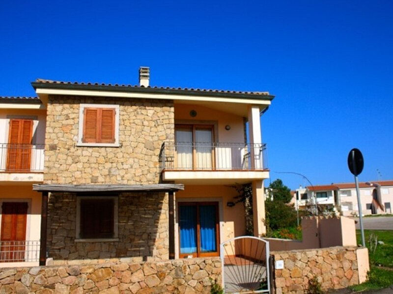 Comfort, holiday rental in Isola Rossa