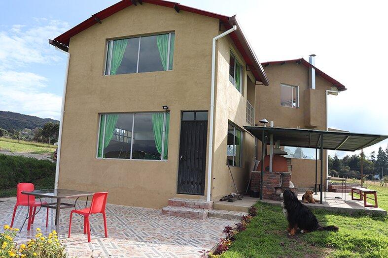 Casa Wayra, Casa de aire y montañas, location de vacances à La Calera