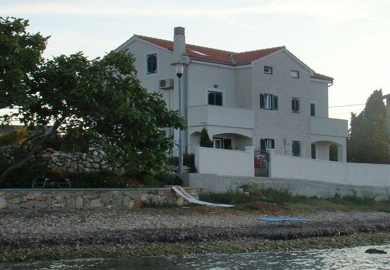 Azur - 10 m from sea: SA2(2+1) - Ilovik (Island Ilovik), holiday rental in Silba