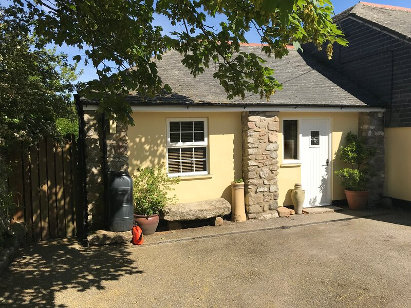 The Annexe at Ludgvan Leaze House, holiday rental in Nancledra