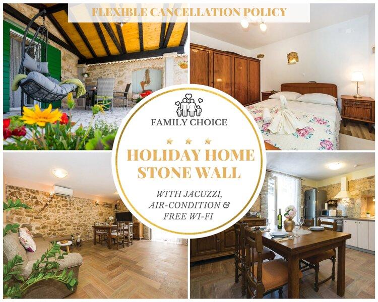 Holiday Home Stone Wall - Villa with Jacuzzi, 5 Pax, holiday rental in Razanac