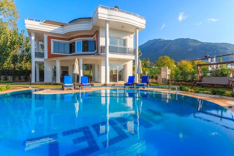 Angel Valley A - 4 Bedrooms Private luxury Villa, location de vacances à Ölüdeniz