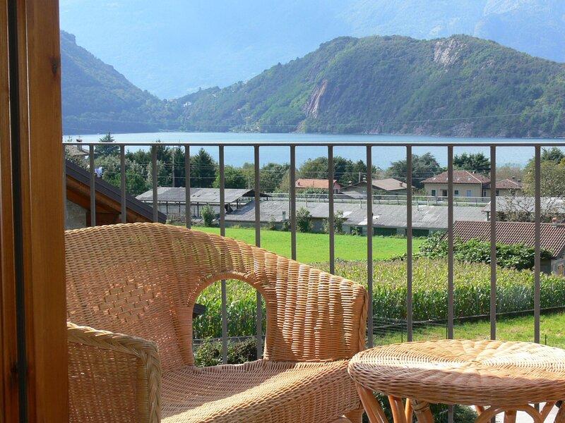 Il Vignolo (CCO111), vacation rental in Colico