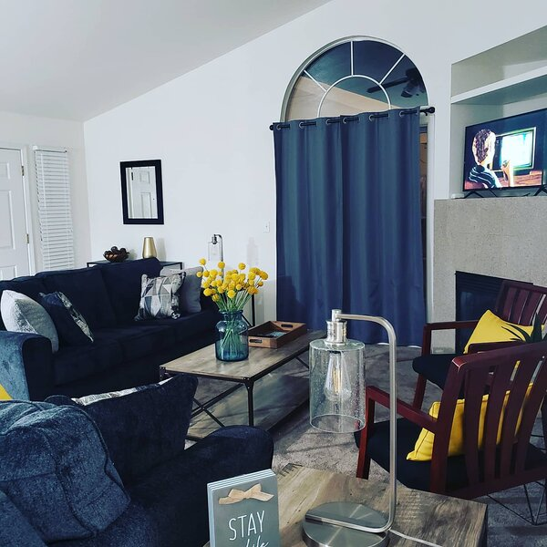 2nd Unit Updated in a Newer Duplex, holiday rental in Ripon