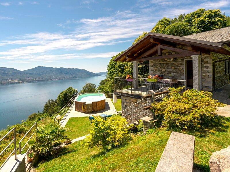La Scoiattolo (CNR350), location de vacances à Cannero Riviera