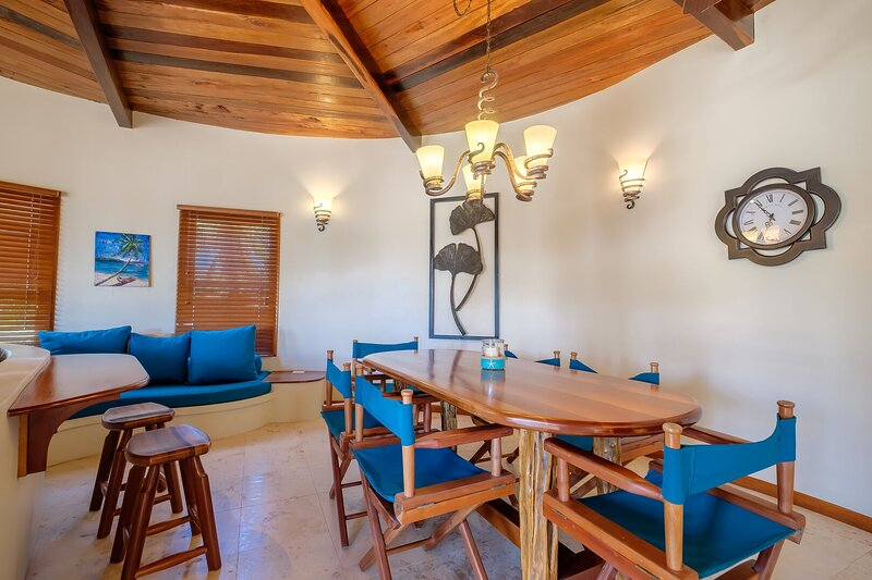 Furniture,Chair,Hardwood,Flooring,Indoors