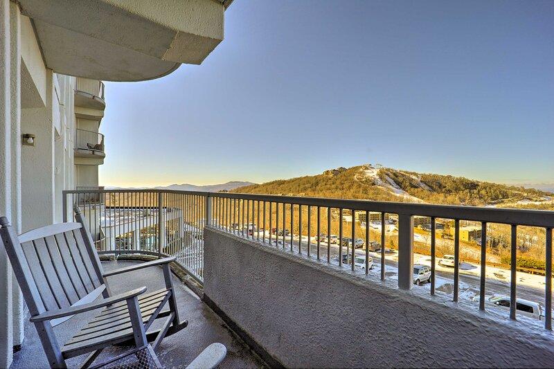 NEW! Sugar Top Resort Condo w/ Family Amenities!, alquiler de vacaciones en Sugar Mountain