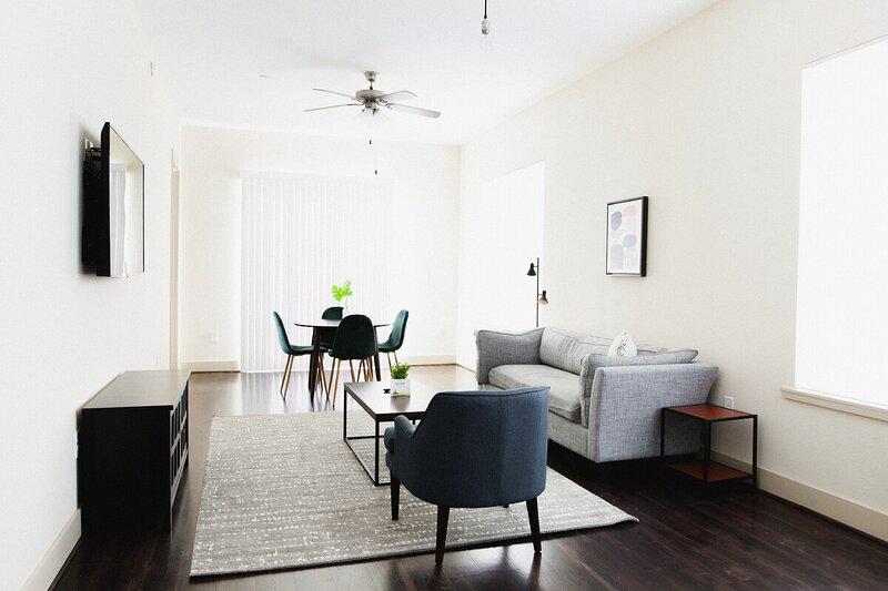 Dwella | Bright 1BR Downtown Loft, holiday rental in Montgomery