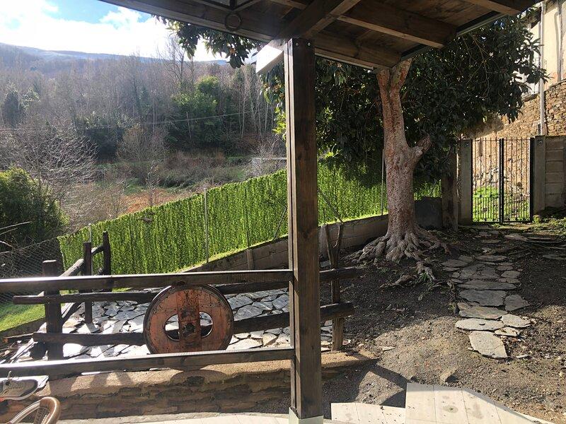 NOVEDAD!! Casa Rural a estrenar en Valdeorras. Visítanos en opradodoforno. com, aluguéis de temporada em O Barco de Valdeorras