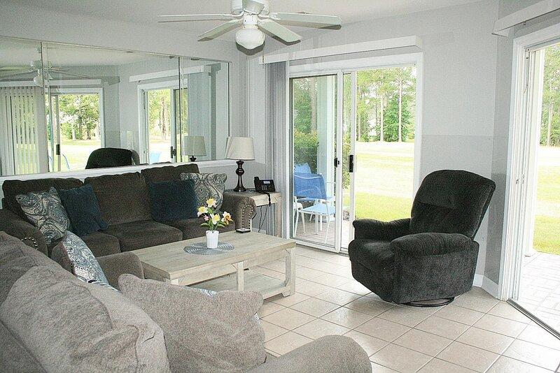Room,Living Room,Indoors,Furniture,Ceiling Fan