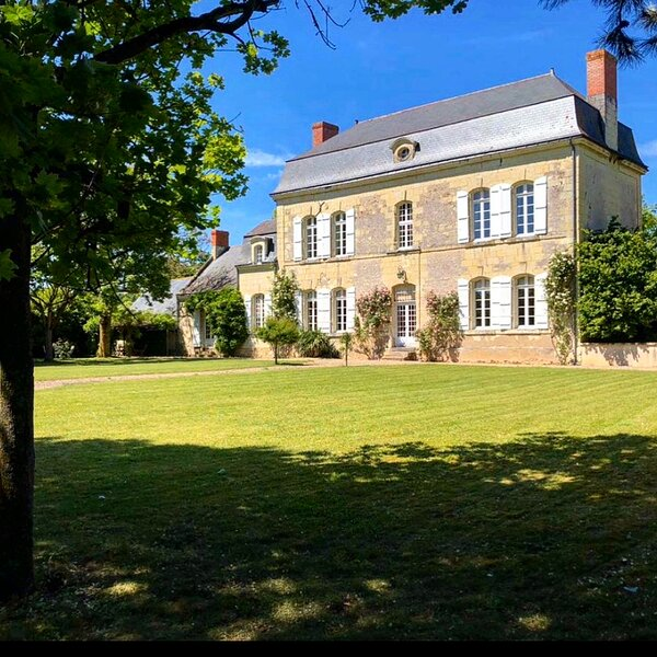 Historic Manor House in Heart of the Loire Valley, holiday rental in Varennes sur Loire