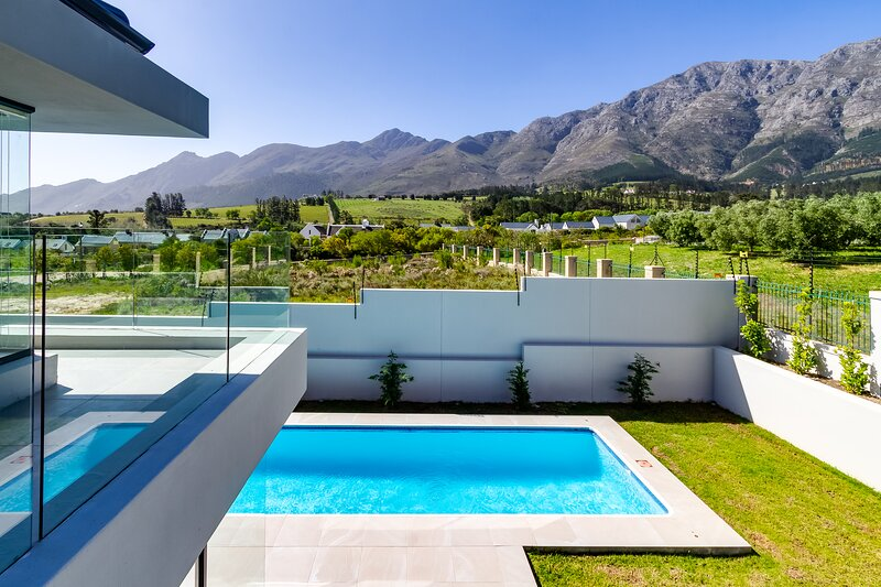 Villa de Luxe: Enjoy life in the lap of luxury., alquiler de vacaciones en Franschhoek