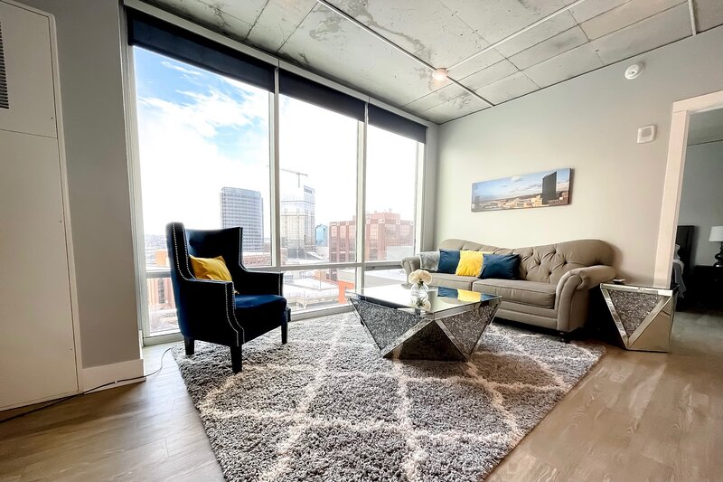 Luxury 2BR Penthouse in Downtown GR, holiday rental in Grand Rapids