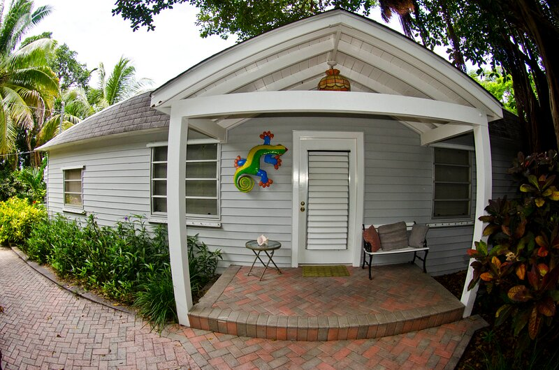 Bayfront Vacation Home Villa Rental Bayside Beach View, location de vacances à Key Largo