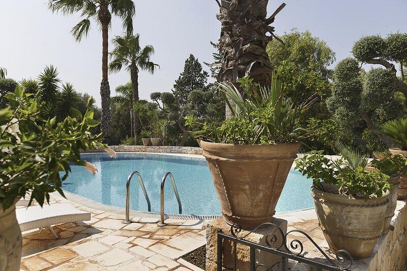 Fontana Villa Resort con piscina e campo da tennis, holiday rental in San Marzano di San Giuseppe