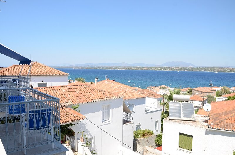 Levante, colours and aromas of Spetses, holiday rental in Spetses Town