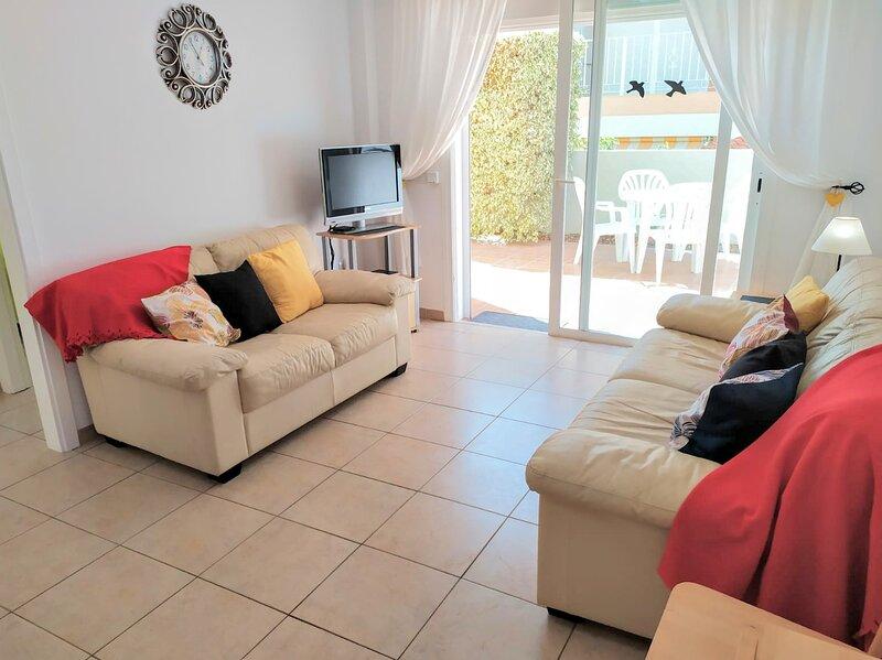 FABULOUS SUN TERRACE - FREE WI-FI, holiday rental in Guia de Isora