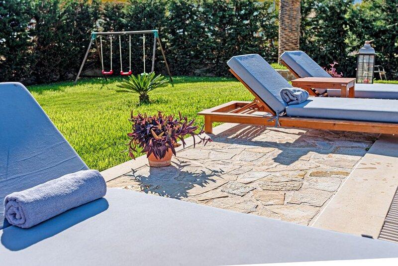 Amor Villa, location de vacances à Porto Koukla