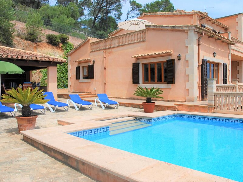 Puig de sa Figuera - Finca with pool and stunning views, holiday rental in Calonge